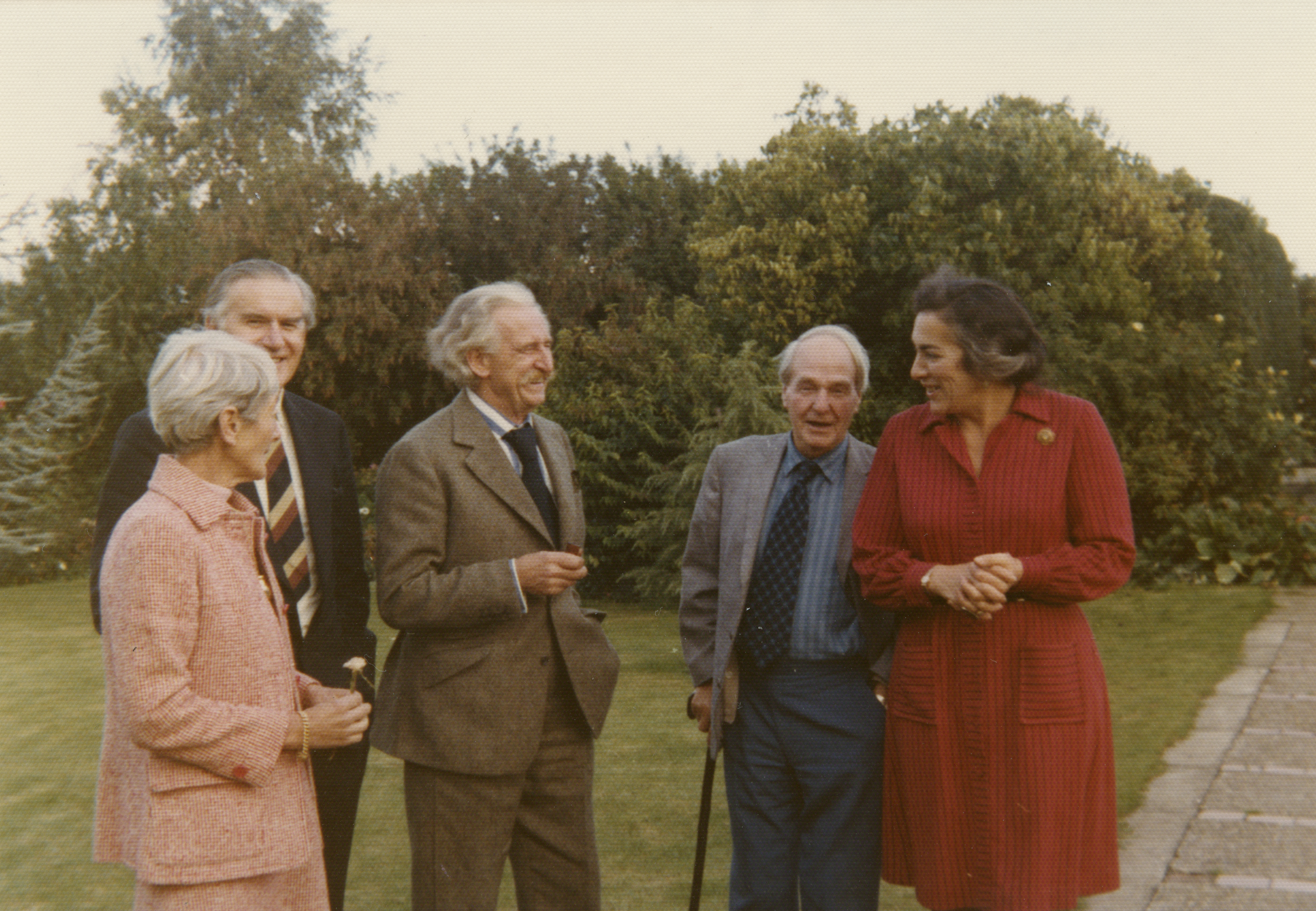Irina Moore, Rae Finnet, Sir Frederick Gibberd, Henry Moore, and Lady Patricia Gibberd, 1974
