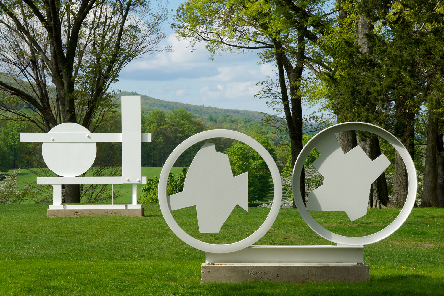 David Smith: The White Sculptures at Storm King Art Center