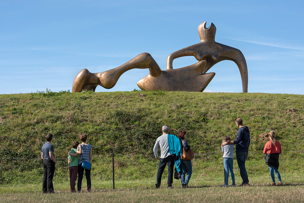 A group with 'Large Reclining Figure'