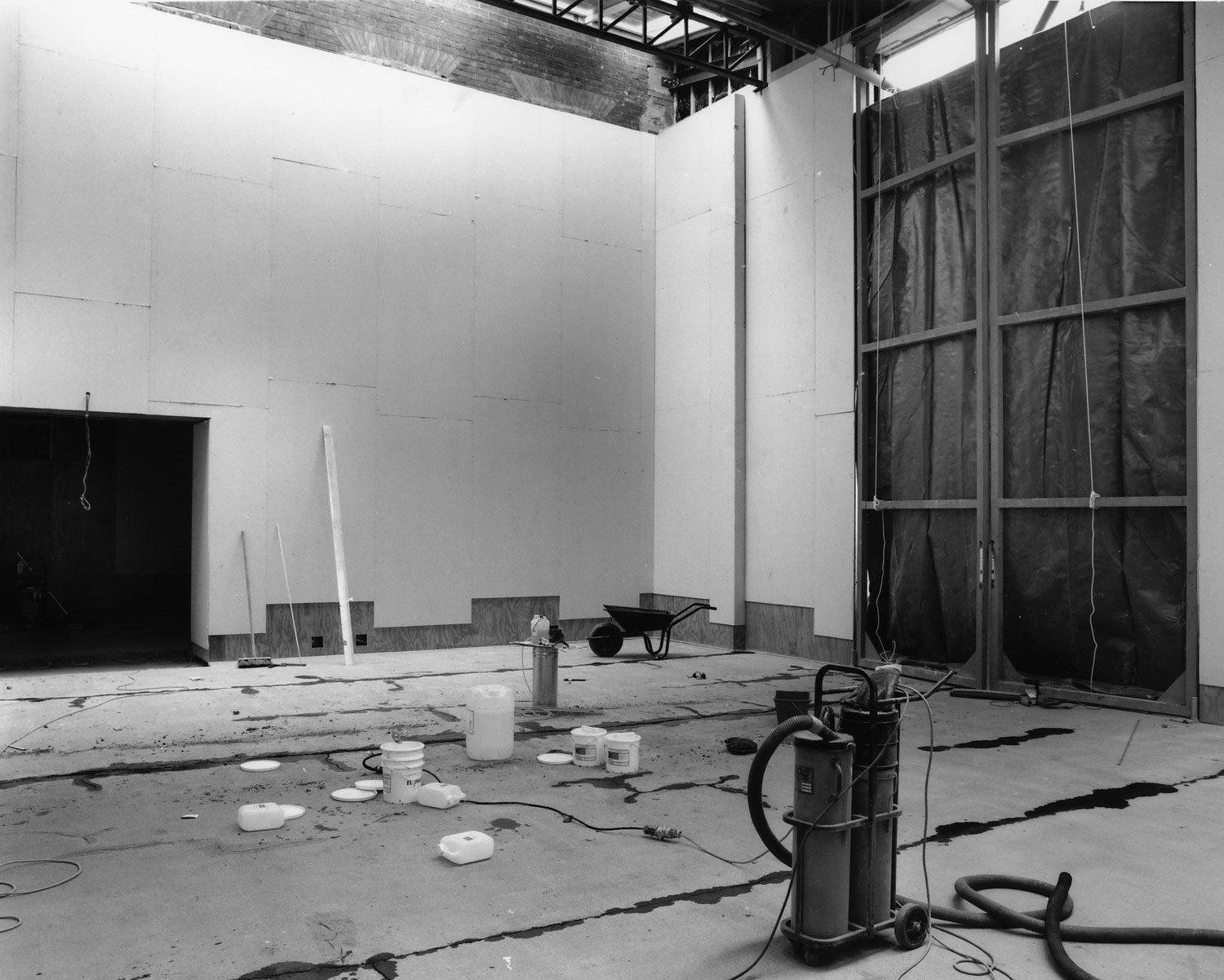 Gallery 2 under construction, with loading doors to the right, c. 1993