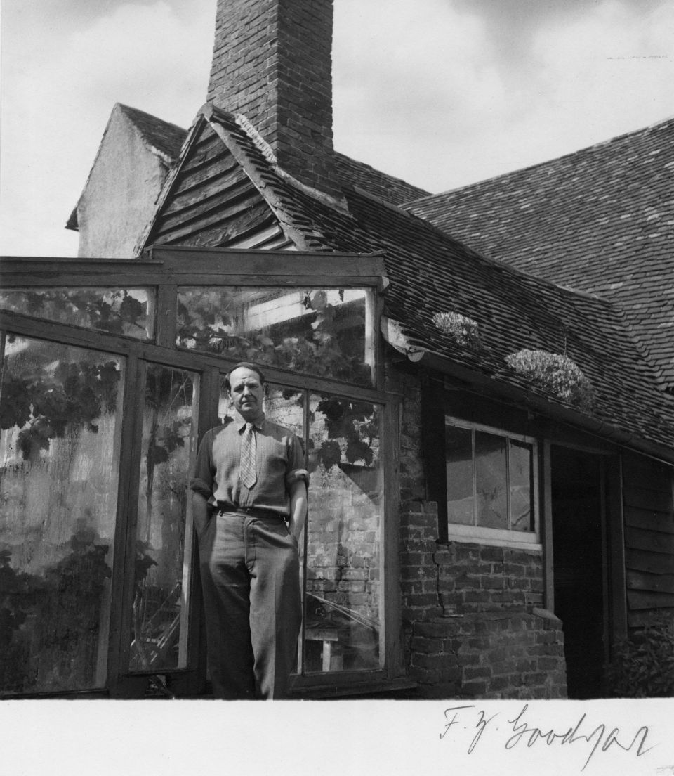 Henry Moore at Hoglands in the 1940s