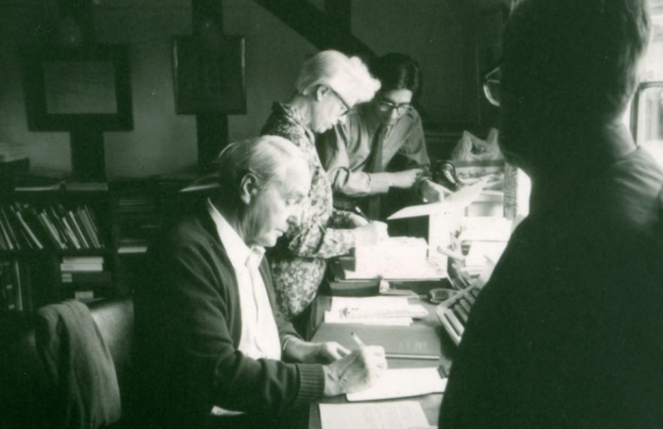 Henry Moore, Mrs Tinsley, David Mitchinson and Frank Farnham in the office in Hoglands, c.1970