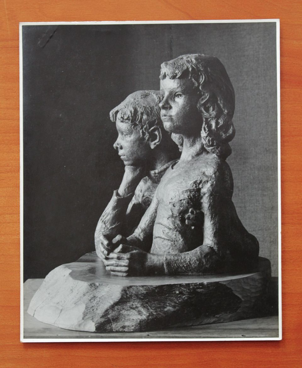 Gertrude Hermes, vintage photograph of 'Judith and Simon' (1936, bronze)