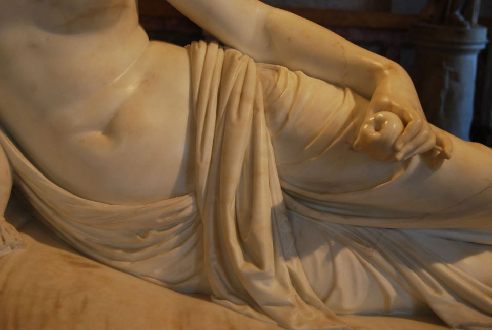 Antonio Canova, Paulina Borghese as Venus Victrix (detail), 1808