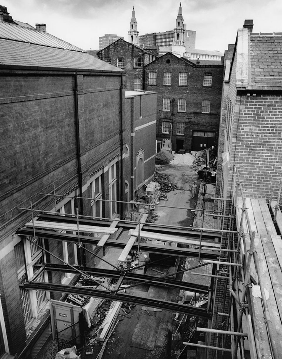 Work beginning on the bridge link to join the Henry Moore Institute with Leeds Art Gallery, c. 1993