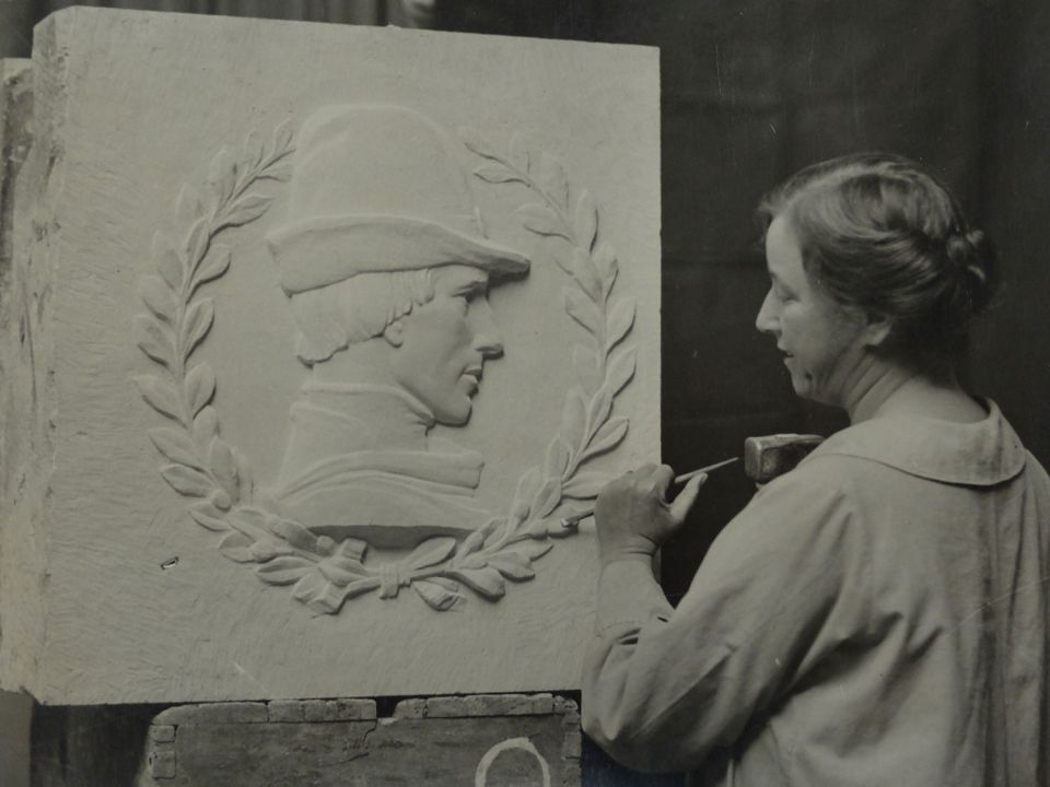 Mary Gillick carving Sir John Crosby for Crosby Hall (1926)
