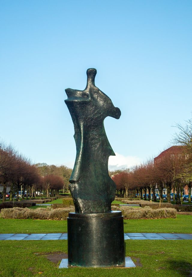 Large Standing Figure: Knife Edge