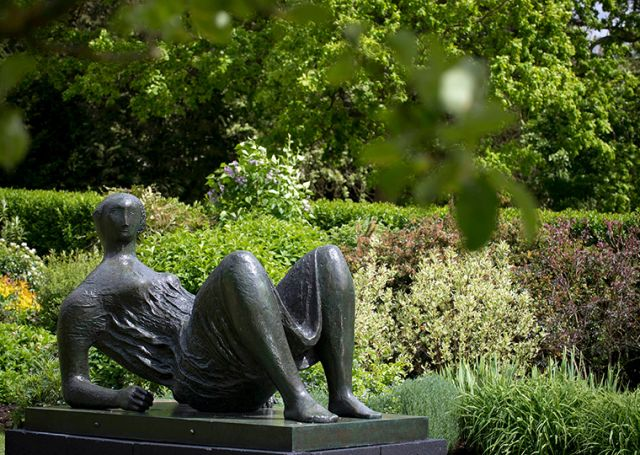 Sculpture in Focus: Draped Reclining Figure