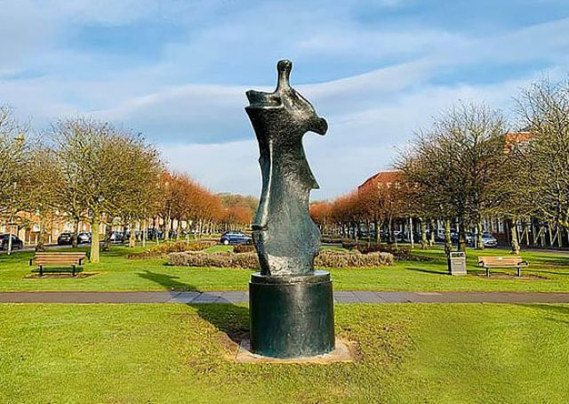 Henry Moore in Welwyn Garden City for centenary celebrations
