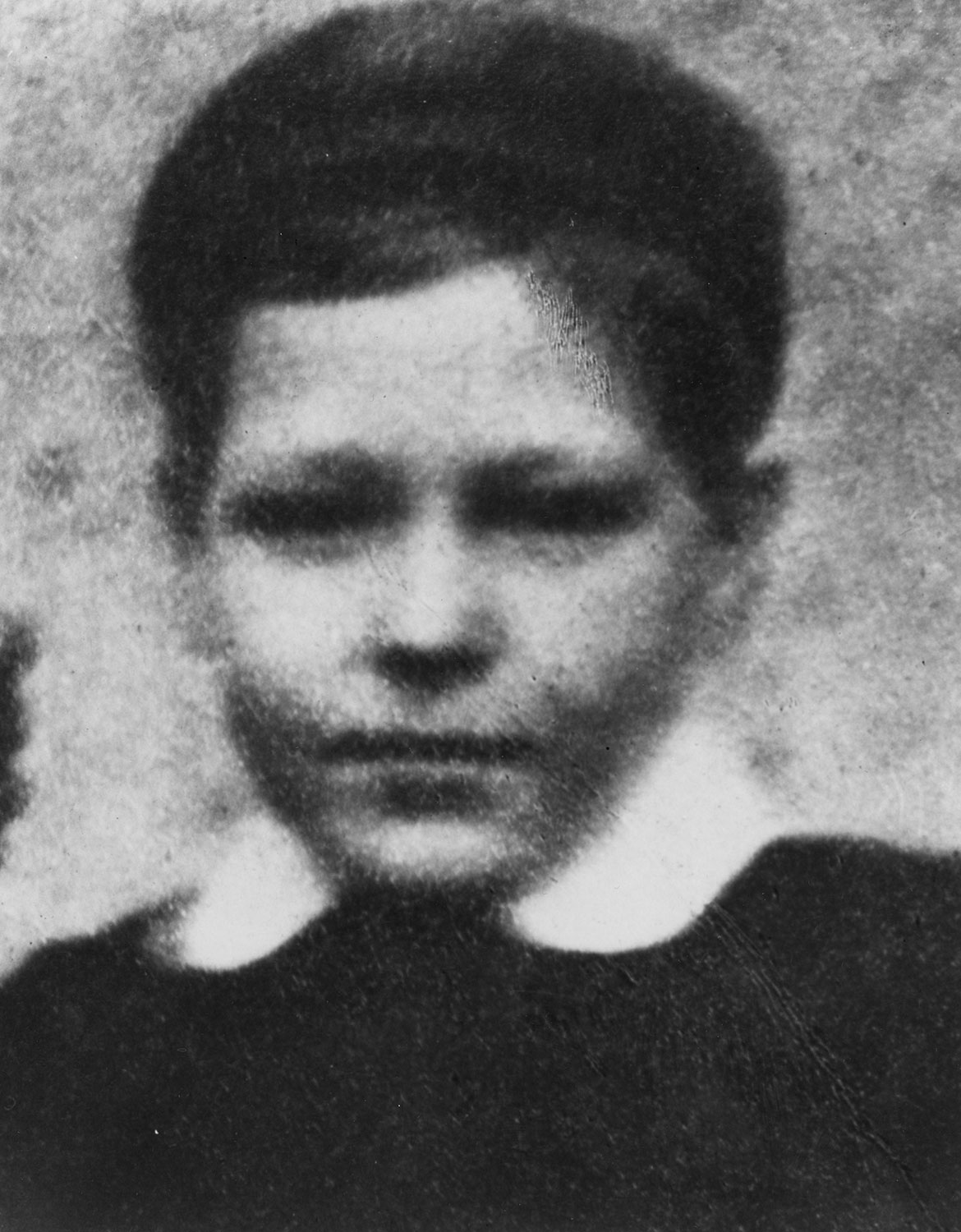 A young Henry Moore in 1909