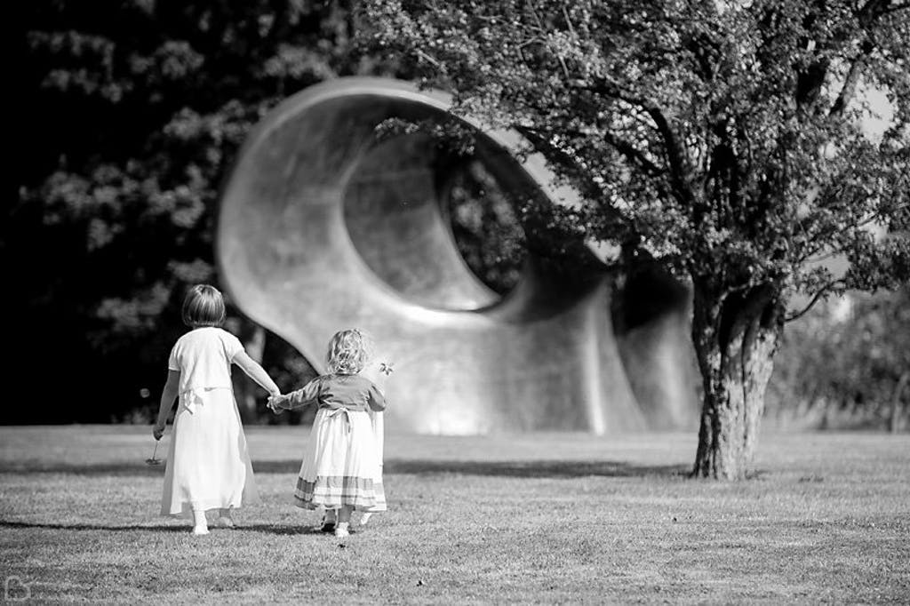 Children with Henry Moore's 'Double Oval' 1966