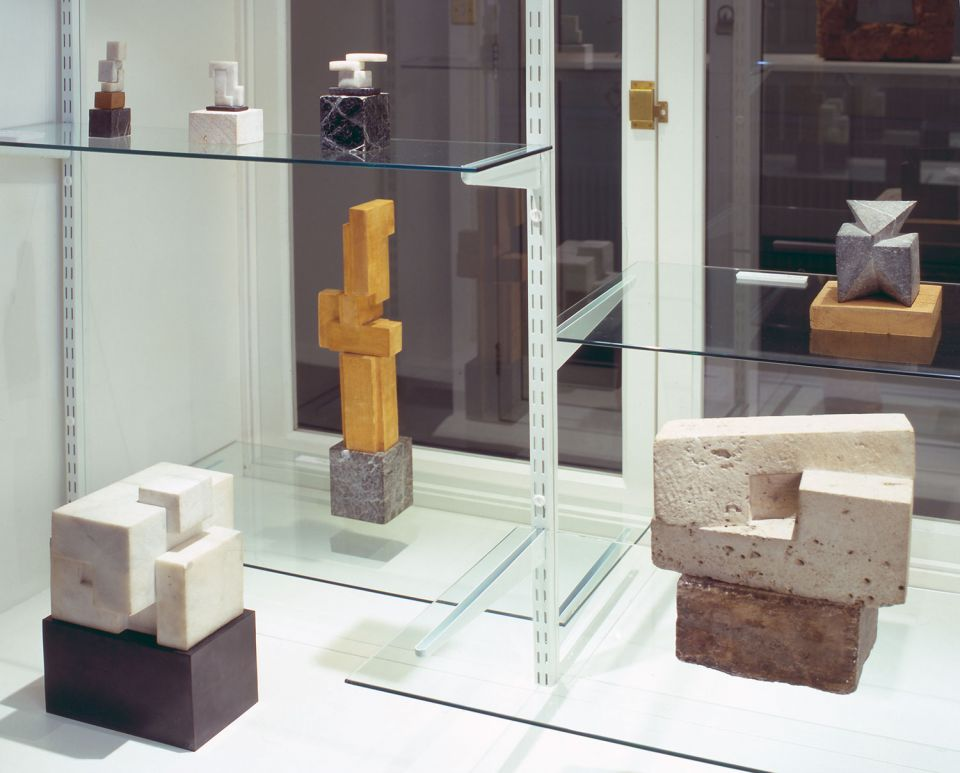 Installation view of Shaping Modern Sculpture 2