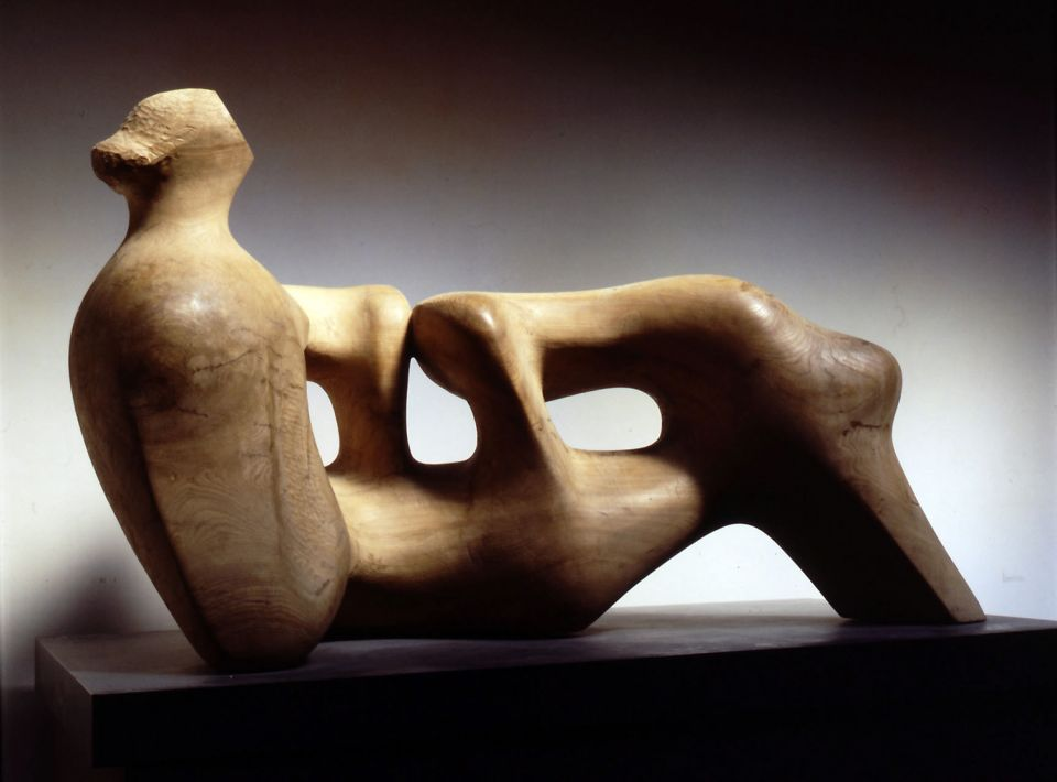 Henry Moore, Reclining Figure: Holes 1976-78