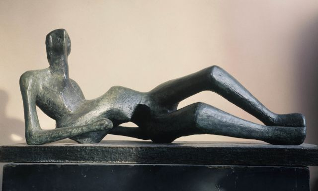 Reclining Figure No.2